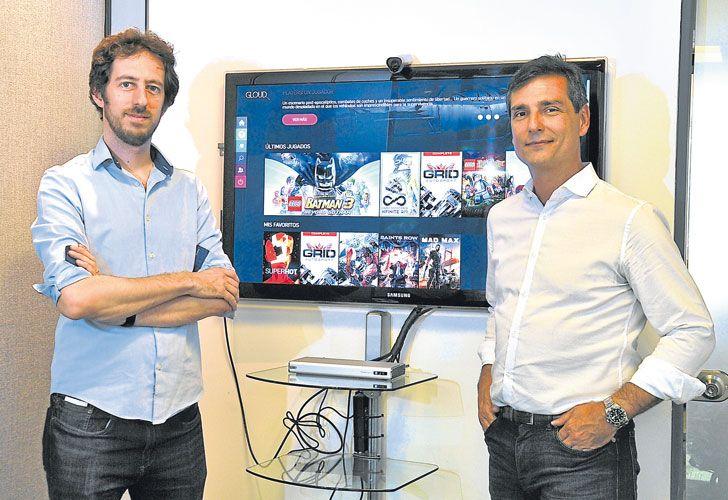 Innovacion. Lionel Zajdweber y Felipe de Stefani, de Turner Argentina, muestran la nueva plataforma que promete revolucionar la forma de juego.