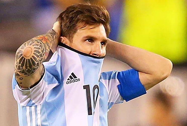 Semántica. Leo eligió una palabra difícil para referirse a la presión de los hinchas.