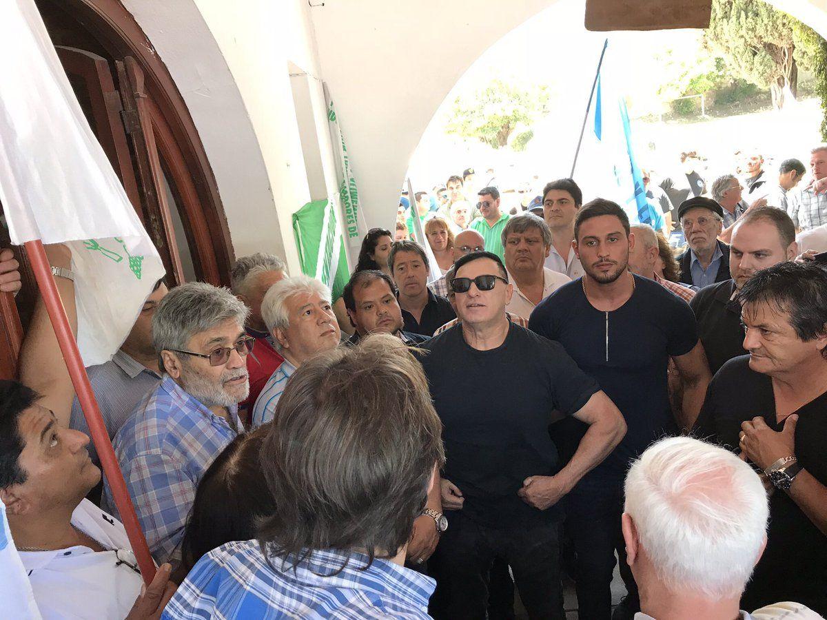 ENCUENTRO SINDICAL.José Pihen, Gabriel Suárez y los Saillén comparten agenda de protesta pero no hay señales de unidad.