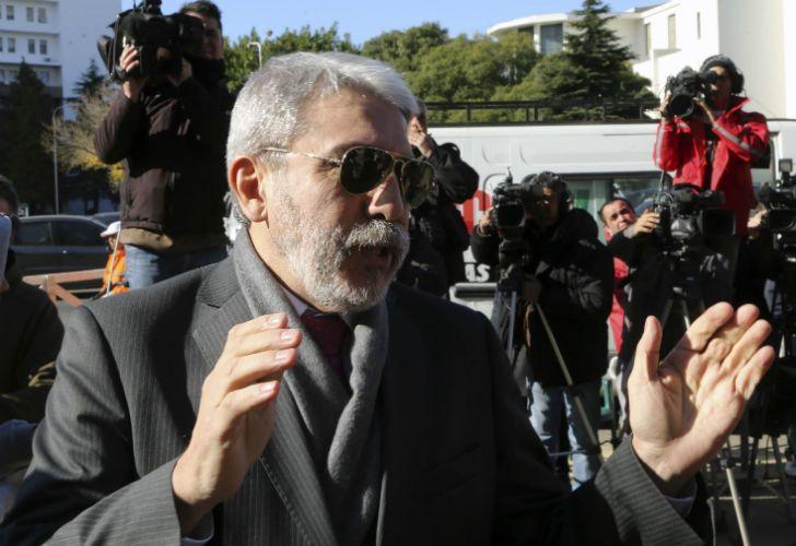 Aníbal Fernández es acusado de haber vendido parte de su patrimonio luego de ser inhibido.