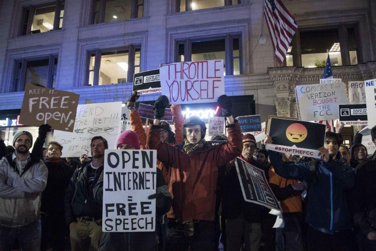 Protestas en Washington contra el fin de la neutralidad de internet