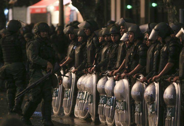 La decisión de desplazar a Gendarmería ocurre luego de los violentos episodios registrados el jueves en Congreso.