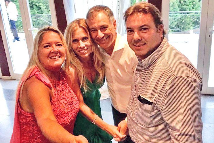 El ex DT de Independiente tuvo el martes su boda con Silvina. Y ayer hicieron la ceremonia en una famosa estancia, con 160 invitados.
