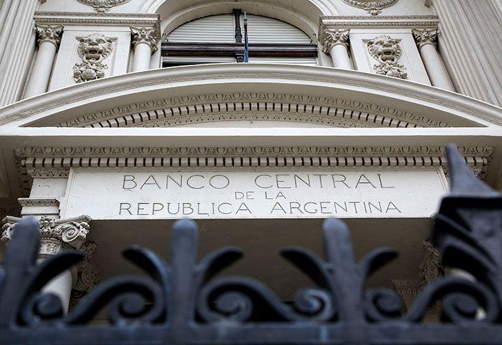 Un informe del Banco Central reveló que el 48% de la población adulta de la Argentina tiene algún tipo de financiación en el sistema financiero