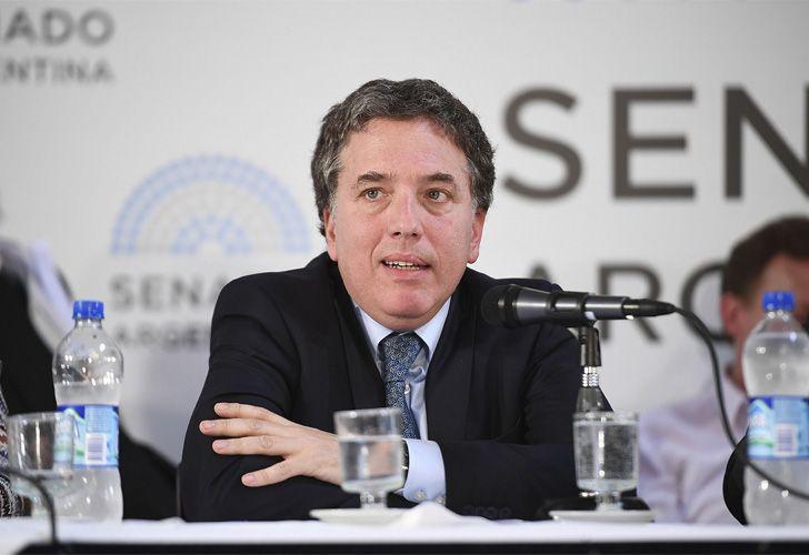 Nicolás Dujovne, ministro de Hacienda, expuso ante la Comisión de Presupuesto y Hacienda en el Salón Azul del Senado.