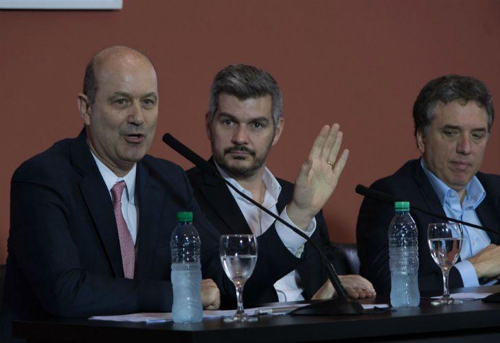 El presidente del Banco Central, Federico Sturzenegger, junto al jefe de Gabinete Marcos Peña y el ministro de Hacienda, Nicolás Dujovne.