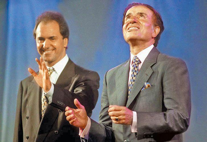 Todavia estan. Sí, Scioli sigue por ahí y Carlos Menem no está preso: es senador.