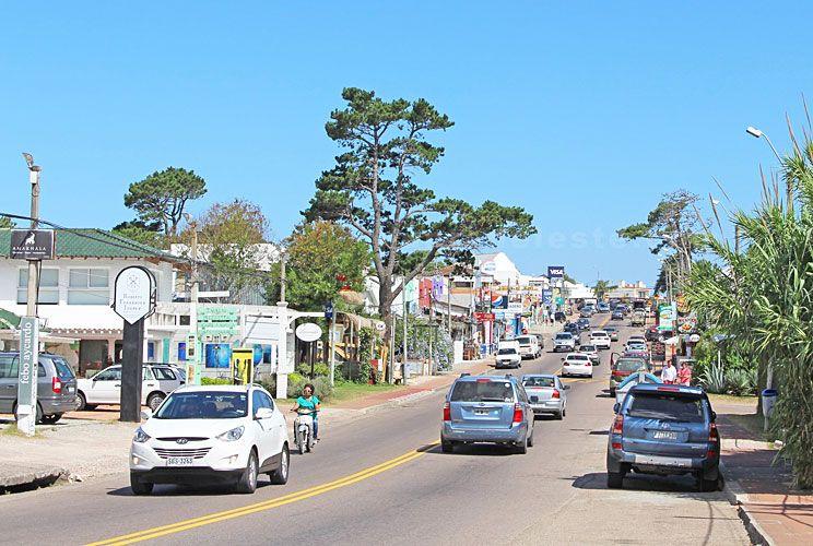 Circular. Para llegar a zonas como La Barra, se puede llegar a pagar US$ 20 desde la península.