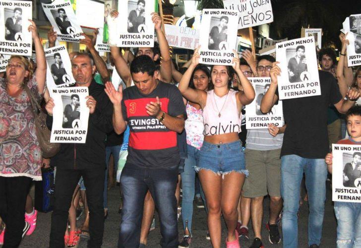 Cientos de personas marcharon para pedir justicia por el crimen del joven de 19 años, Fernando Pastorizzo.
