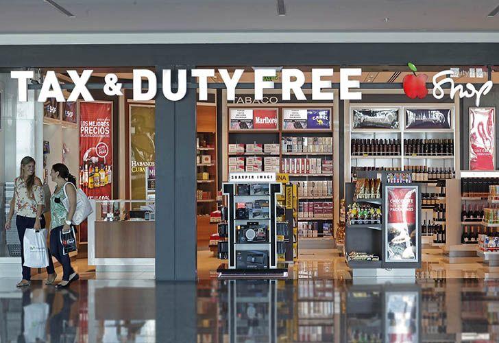 La AFIP elevó este jueves de 300 a 500 dólares la franquicia libre de impuestos para compras en free shops para turistas que ingresen al país.