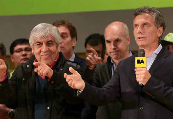 Hugo Moyano junto a Mauricio Macri.