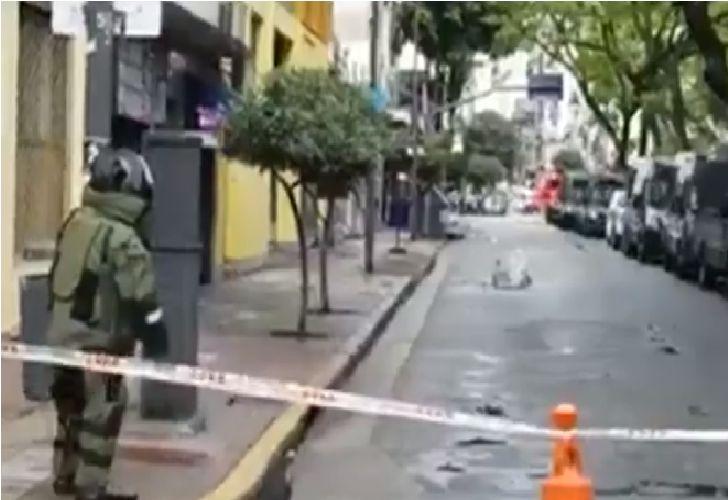 Explosivos encontrados en frente del departamento Central de la Policía Federal