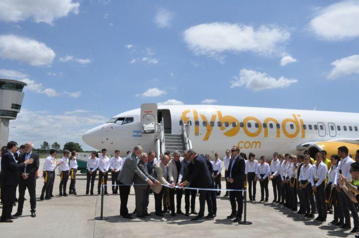 BAJO COSTO. En diciembre del año pasado Flybondi presentó su propuesta para volar desde Córdoba. La operación se retrasa por lo menos un mes.