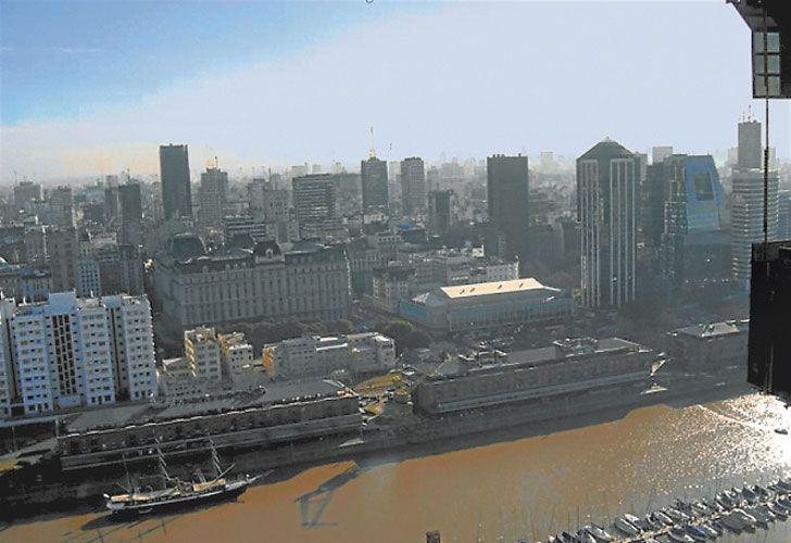 Lujo. Dos departamentos de Fernández están ahora a nombre de su hijo, Facundo. Uno está en el piso 37 de Torres del Yacht, donde vive Aníbal, y otro en la Torre Rubí, de ZenCity, ambos en Puerto Madero.