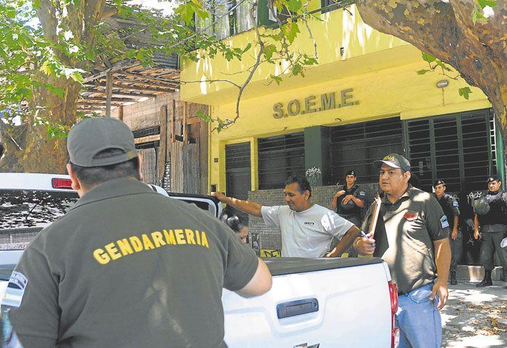 Operativo. Fuerzas federales se llevaron documentación de dos sedes en La Plata y otra en Capital.