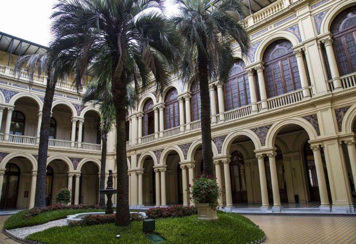 El patio de las palmeras de Casa Rosada, donde se reemplazará al ejemplar que se secó.