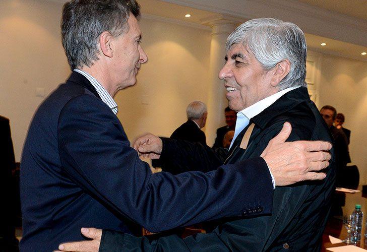 Hugo Moyano y Mauricio Macri dan señales de reconciliación.