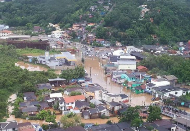 Florianópolis enfrenta una severa inundación
