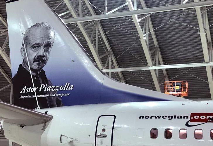 Astor Piazzolla, la figura ícono de la nueva low cost noruega en Argentina.