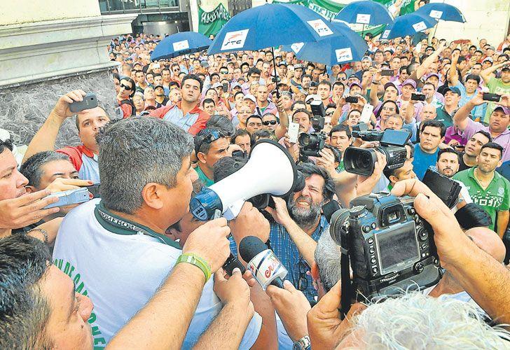 Reclamo. En 2016 hubo una protesta masiva frente al Central.