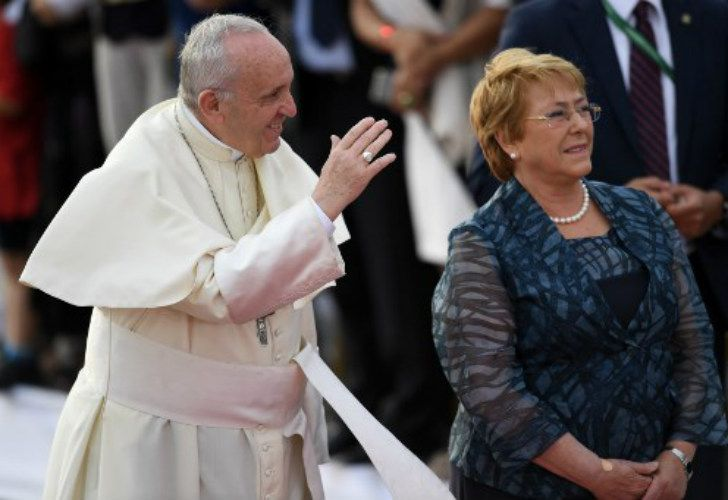 La presidente Bachelet recibió al Papa Francisco en Chile.