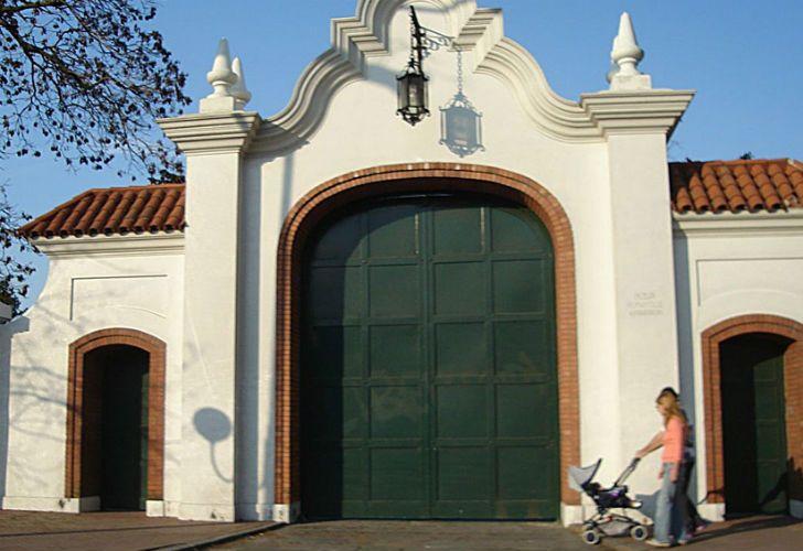 La fachada de la Quinta de Olivos.