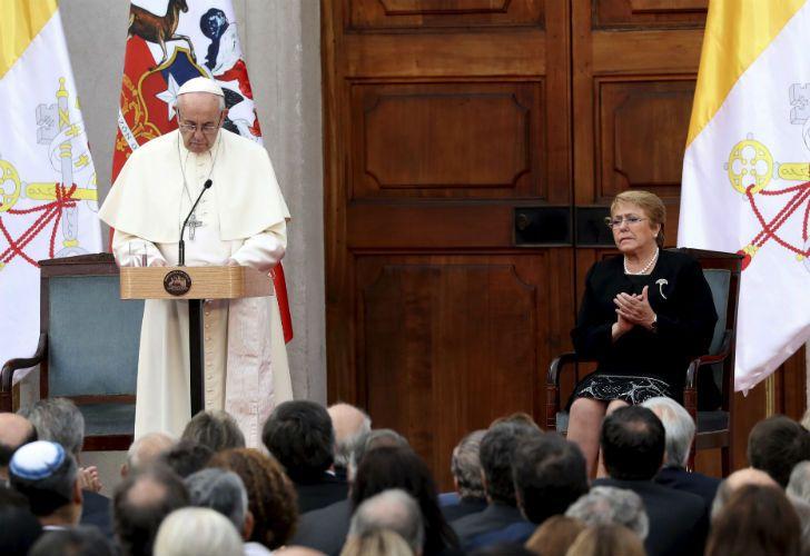 Francisco realizó un discurso junto a Michelle Bachelet.