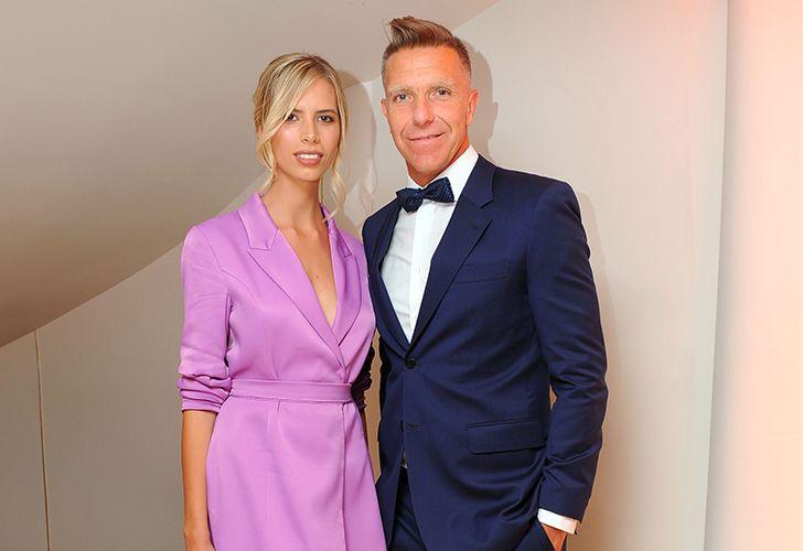 Alejandro Fantino y Coni Mosqueira se mostraron elegantes y sonrientes en Miami.