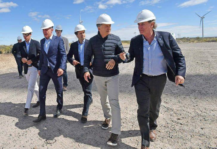 Dario Lizzano y Mauricio Macri en la inauguración del parque eólico de Rawson.