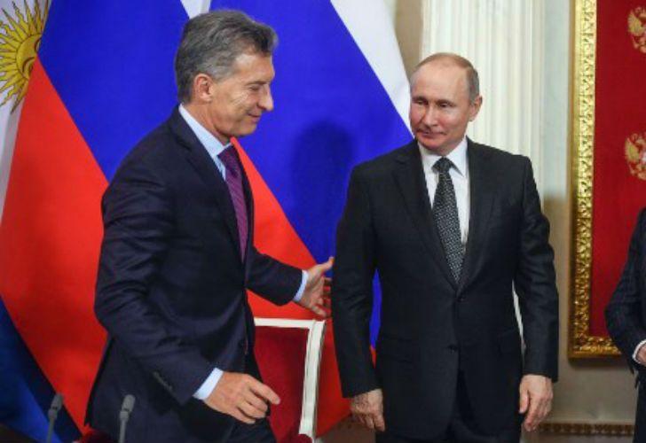 Ante la mirada de Vladimir Putin, el presidente argentino analizó las chances de Argentina en Rusia 2018.