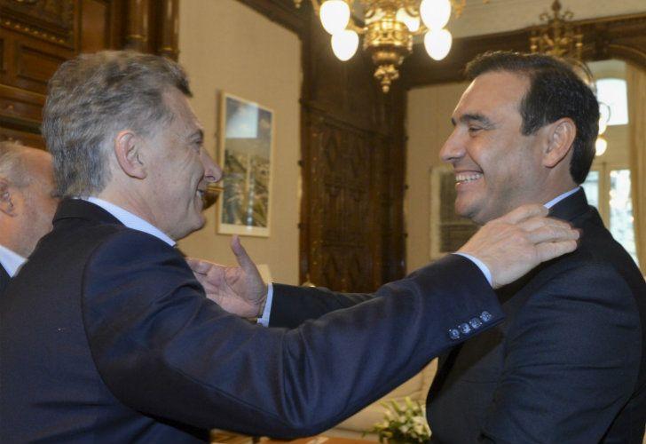 El gobernador de Corrientes Gustavo Valdés junto a Mauricio Macri en la Casa Rosada.