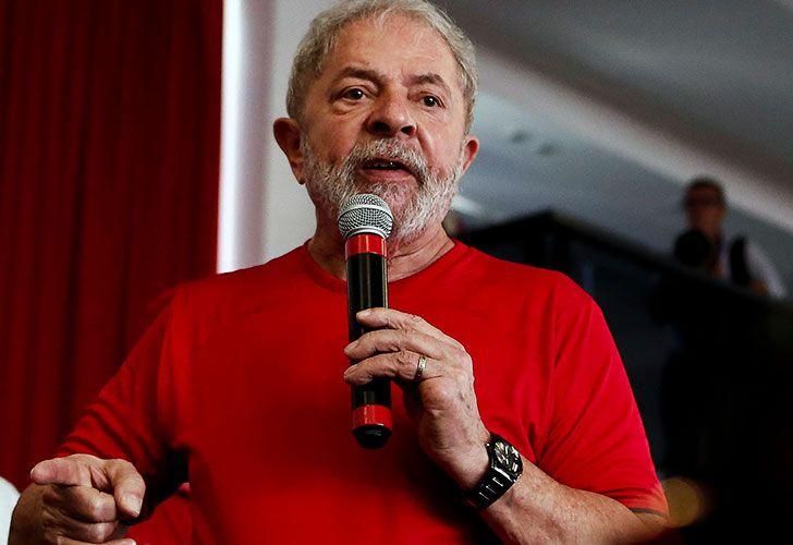 Un tribunal de segunda instancia puede condenar e inhabilitar a Lula para ser candidato a presidente de Brasil.