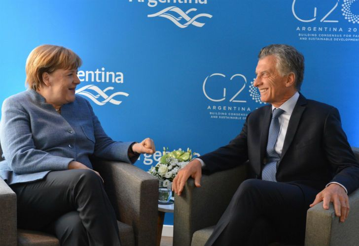 El presidente Mauricio Macri se reunió con la canciller alemana Ángela Merkel en el marco de la gira europea que realiza el mandatario.
