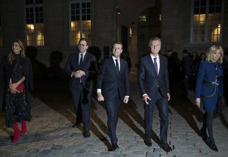 El presidente Mauricio Macri y su esposa Juliana Awada, junto a su par francés Emmanuel Macron y su esposa Brigitte Macron.