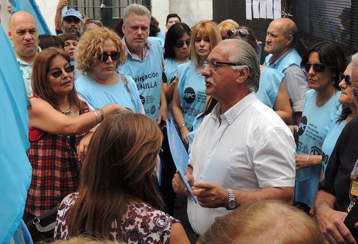 EN LA LINEA ROJA. El secretario gremial de la UEPC, Juan Monserrat, anticipó que docentes pediran un 20%, más claúsula gatillo.