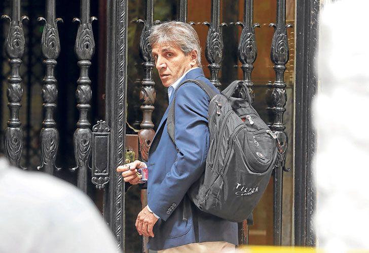 Retiro. Las acusaciones contra el ministro Caputo y el subsecretario de la Presidencia Valentín Díaz Gilligan (arr.) no se tocaron formalmente en Chapadmalal.