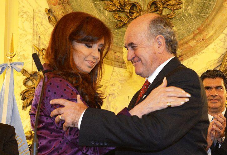 Nuevamente trascendieron escuchas telefónicas entre Cristina Kirchner y Oscar Parrilli.