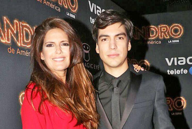 """Isabel Macedo con Agustín Sullivan, uno de los """"Sandro""""."""
