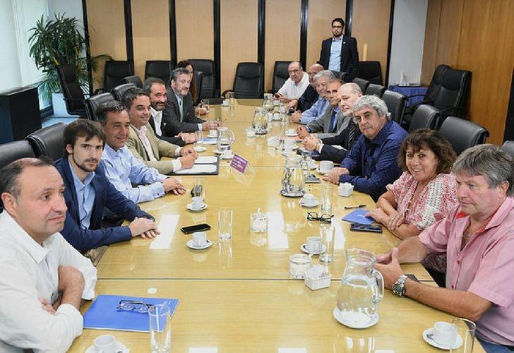 Gremios docentes se reunieron este lunes en el Ministerio de Trabajo