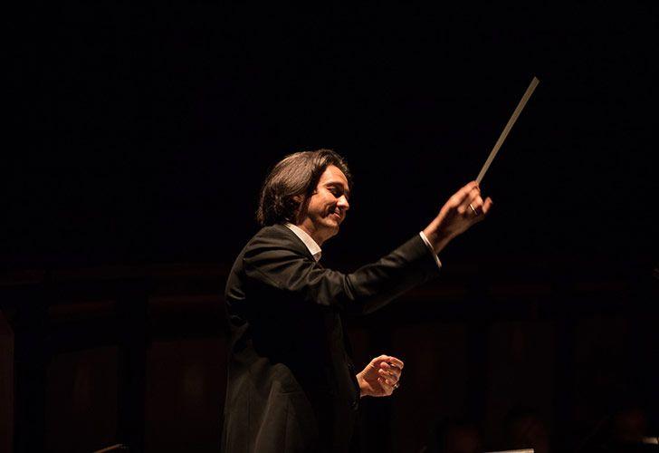 Director de Música, Manhattan School of Music Senior Opera Theater