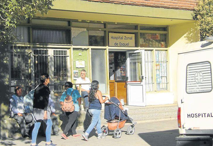Atencion. Los pacientes chilenos se atienden los jueves, con turno previo y orden de su médico de referencia. También emergencias.