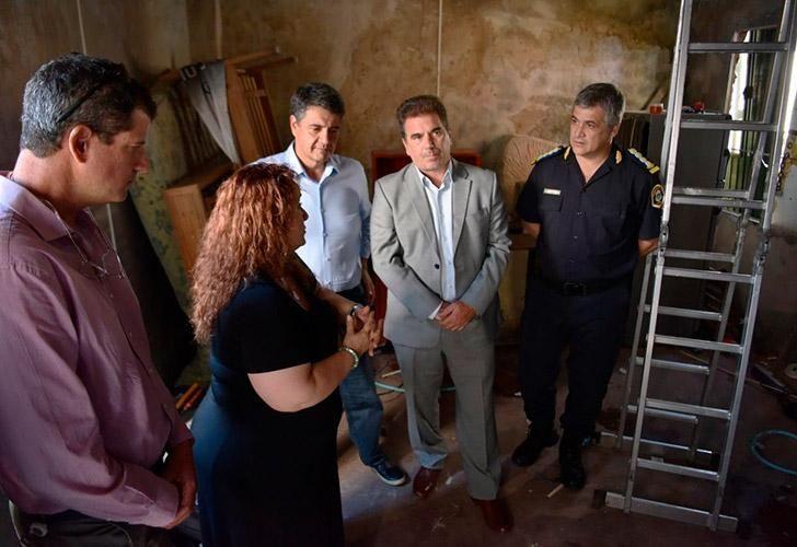El Ministro de Seguridad de la Provincia de Buenos Aires, Cristian Ritondo junto a Jorge Macri supervisaron la destrucción del búnker número 39 en Vicente López tras desbaratar a -La Banda del hacha-