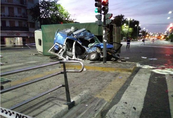 El choque del patrullero en Nueva Pompeya que dejó dos policías muertos.