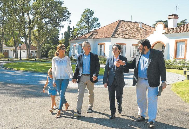 Ayer. Vidal estuvo en San Martín, como parte del primer timbreo nacional de Cambiemos, que se realizó un día después de blanquear el plan reeleccionista. Macri se quedó en la quinta presidencial en una actividad con el ministro Avelluto.