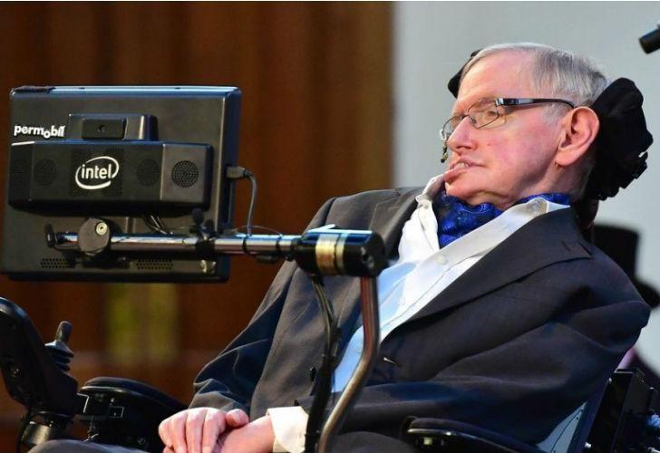 Stephen Hawking padecía esclerosis lateral amiotrófica (ELA).