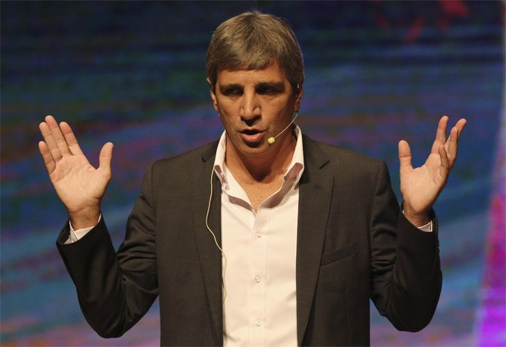 Luis Caputo, ministro de Finanzas, a cargo de la toma de deuda.