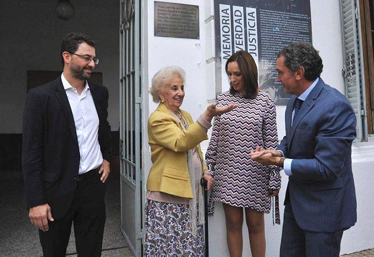 La gobernadora bonaerense, María Eugenia Vidal, y la titular de Abuelas de Plaza de Mayo, Estela de Carlotto inaugurarán un Espacio para la Memoria y la Promoción de los Derechos Humanos, donde funcionó la comisaría 5ta, de La Plata, un centro clandestino de detención.