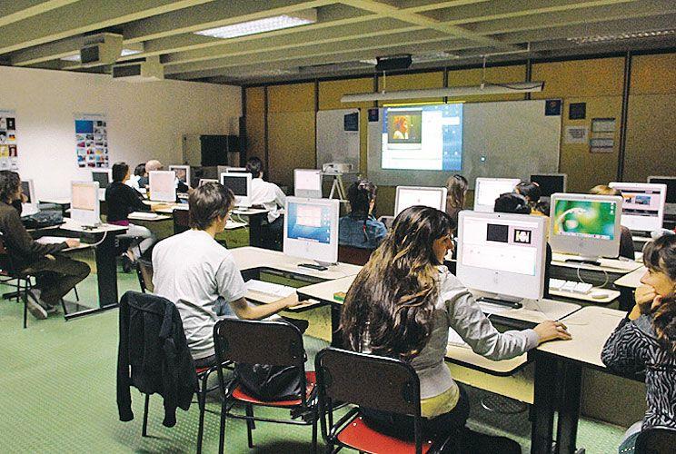 Universidades. En las aulas se plantean debates que no se incluyen en las propuestas partidarias tradicionales, que deben cambiar.