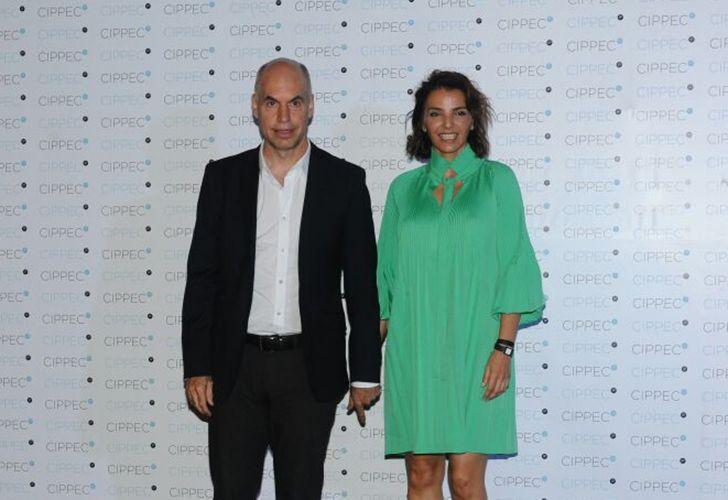 El jefe de Gobierno porteño Horacio Rodríguez Larreta junto a su esposa Bárbara Diez.