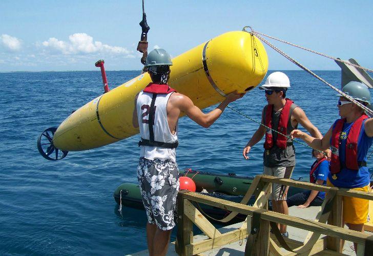 El investigador venezolano y director del SEA, Hugo Marino, aseguró que en un plazo de 100 días podría hallarlo con la ayuda de este aparato.